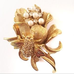 St John Bee & Flower Pin Brooch Signed  Logo Gold